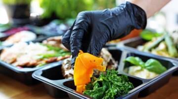 Bezpieczny catering w czasach pandemii